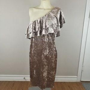 PLUS FOREVER 21 Velvet One Shoulder Dress Size 1X